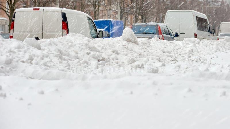 Затор движения в зиме стоковая фотография
