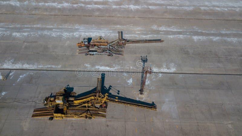 Затяжелители пояса на воздушном фотографировании промышленного предприятия стоковая фотография rf