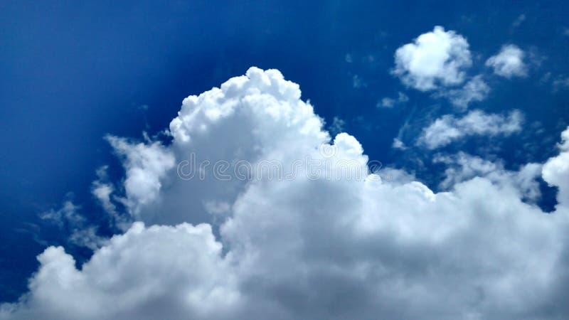 Захватывающее небо стоковое изображение rf