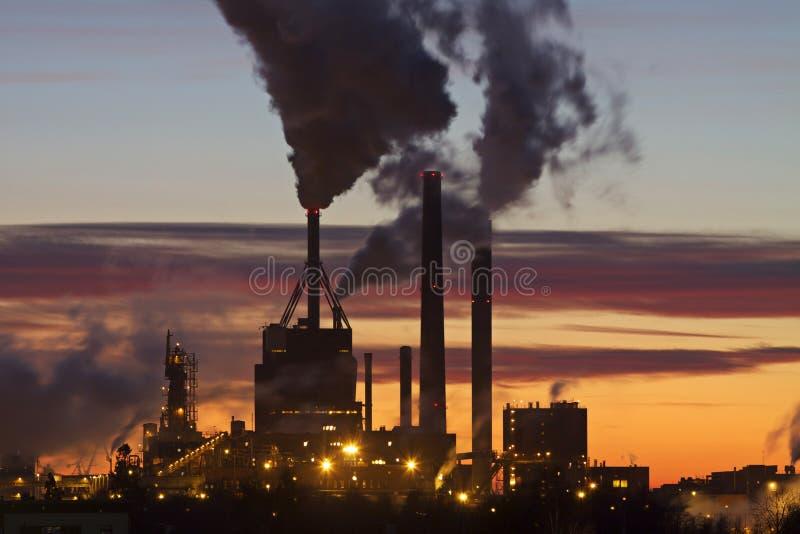 заход солнца бумаги стана Финляндии стоковое фото