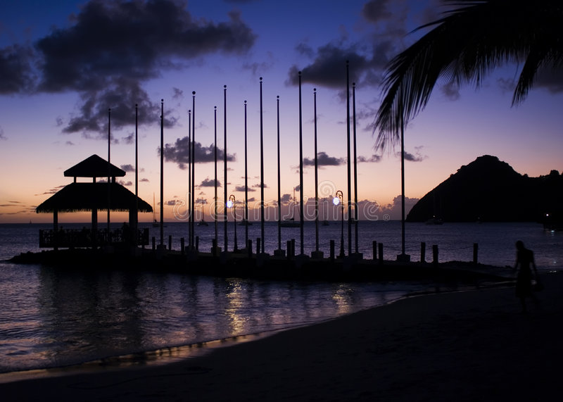 заход солнца вихруна острова стоковое изображение