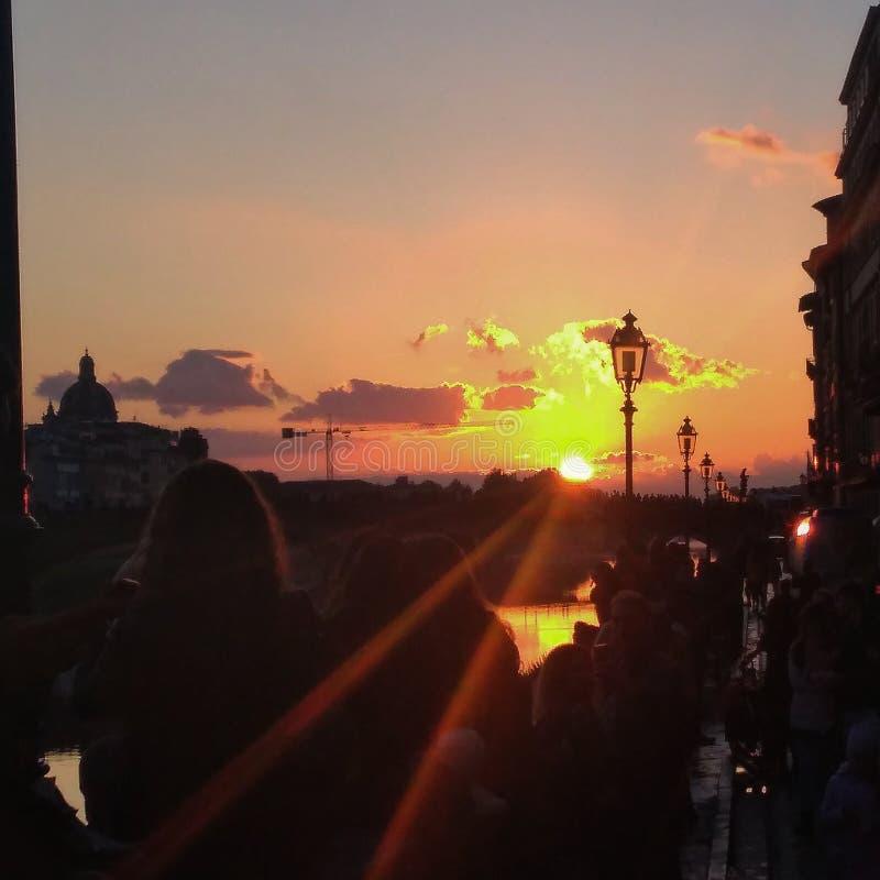 Заход солнца во Флоренс стоковые изображения