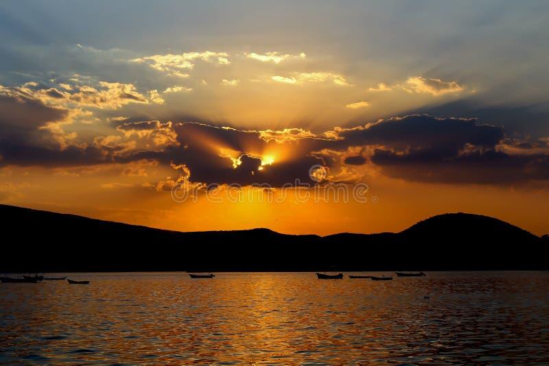 Заход солнца в большей лагуне стоковая фотография