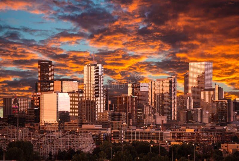Заход солнца в Денвере Колорадо стоковая фотография rf