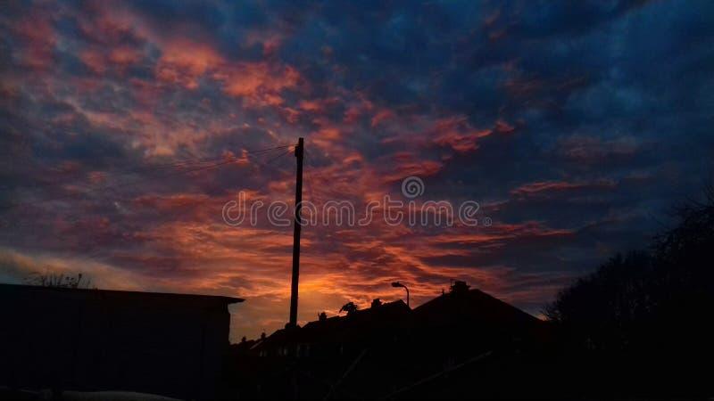 Заход солнца в октябре стоковые фото