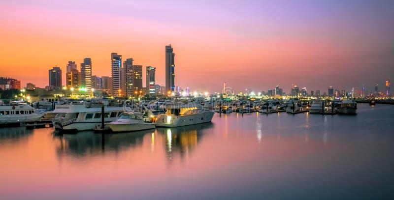 Заход солнца гавани в Кувейте стоковое изображение