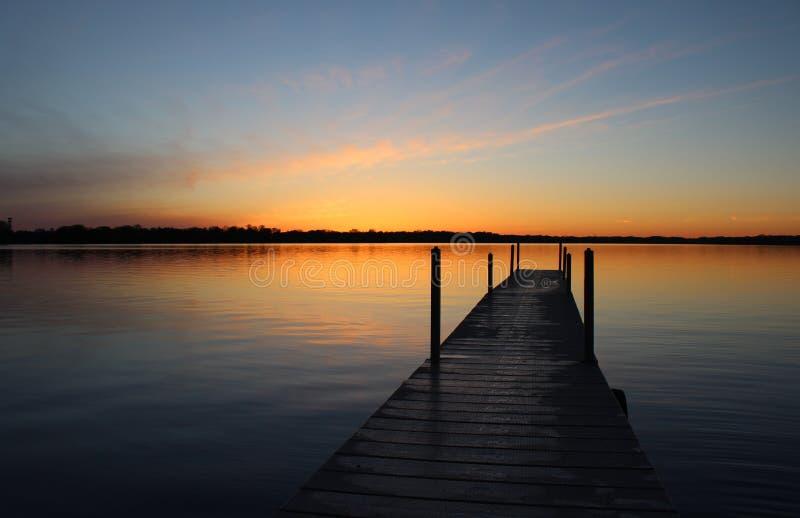 Заход солнца дока стоковое фото