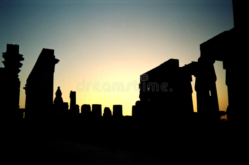 заход солнца Египета luxor стоковые фотографии rf