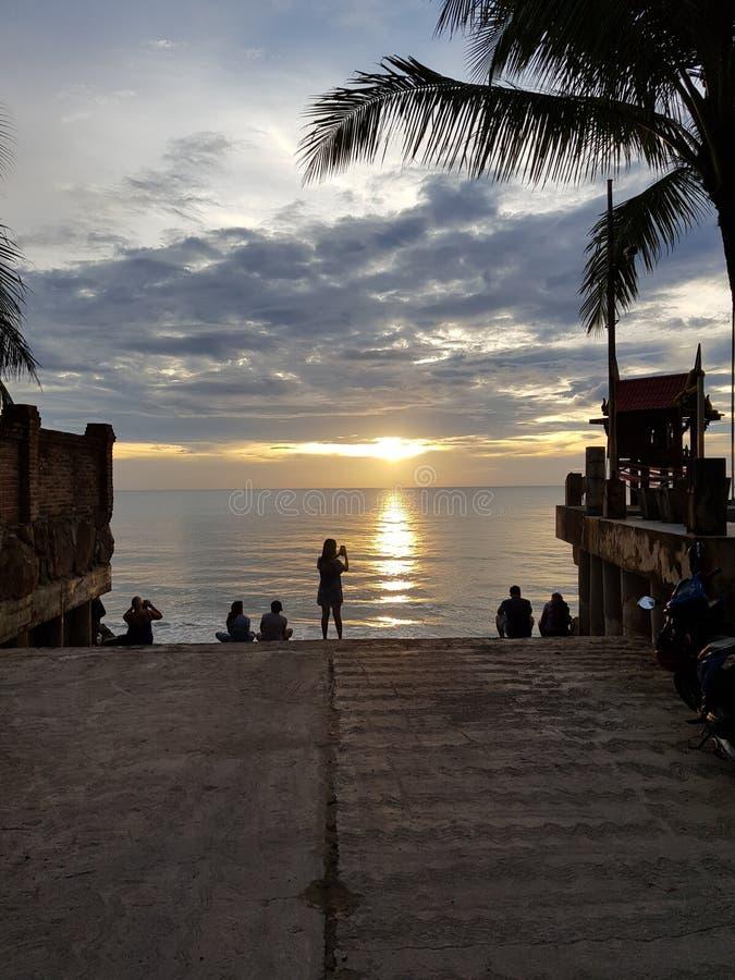 Заход солнца заливом, Таиланд, пляж, праздник стоковая фотография rf