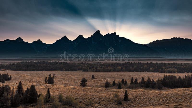 Заход солнца за Tetons, Вайоминг стоковые изображения rf