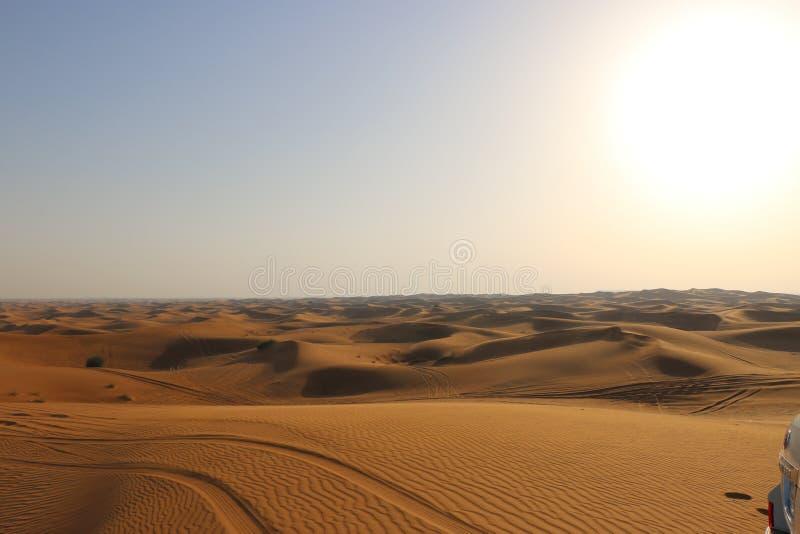 заход солнца иллюстрации пустыни 3d стоковые изображения