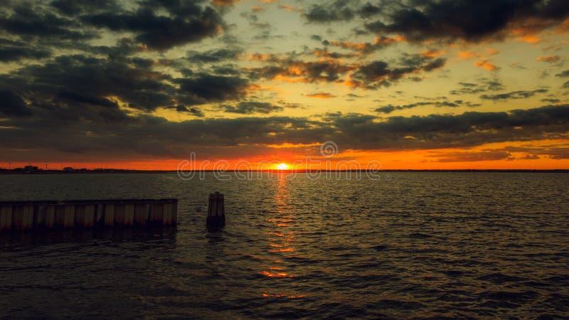 Заход солнца Лонг-Айленд стоковая фотография rf