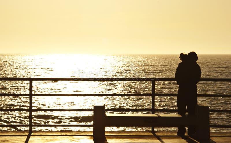 заход солнца любовников стоковая фотография