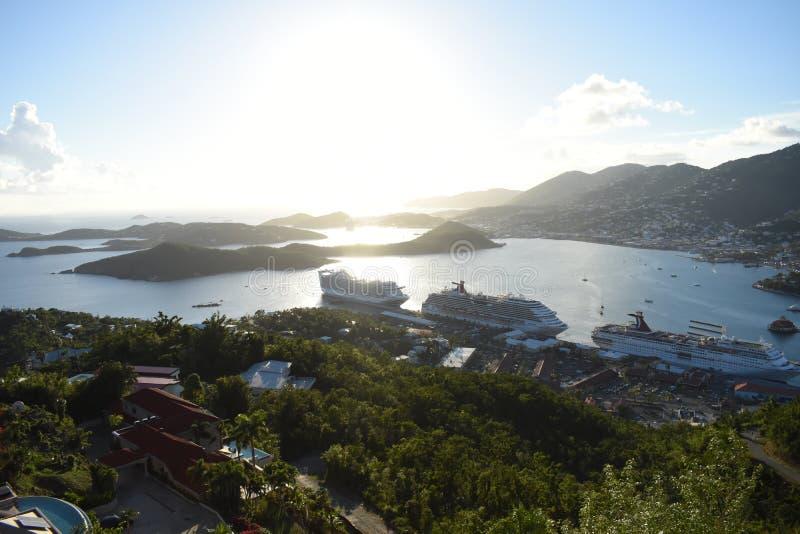 Заход солнца над гаванью St. Thomas стоковая фотография