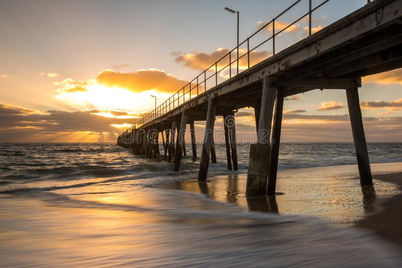 Заход солнца над молой на порте Noarlunga южной Австралии Australi стоковая фотография rf