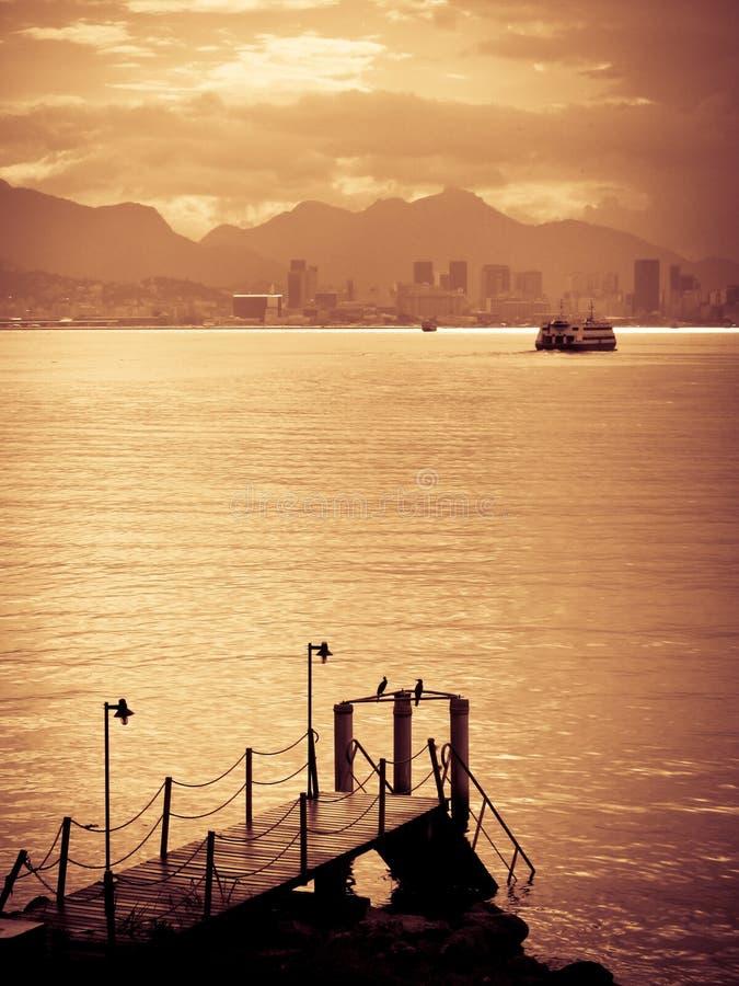 Заход солнца над Рио Де Жанеиро стоковая фотография rf