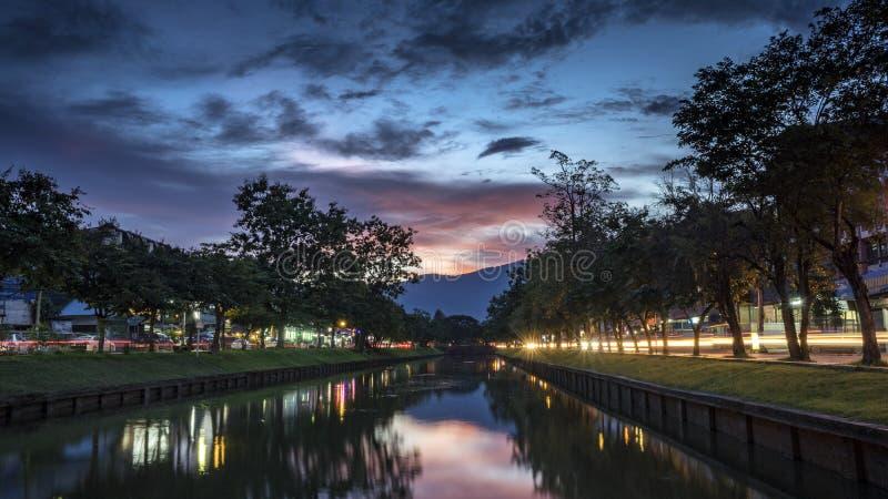 Заход солнца над Чиангмаем стоковые фотографии rf