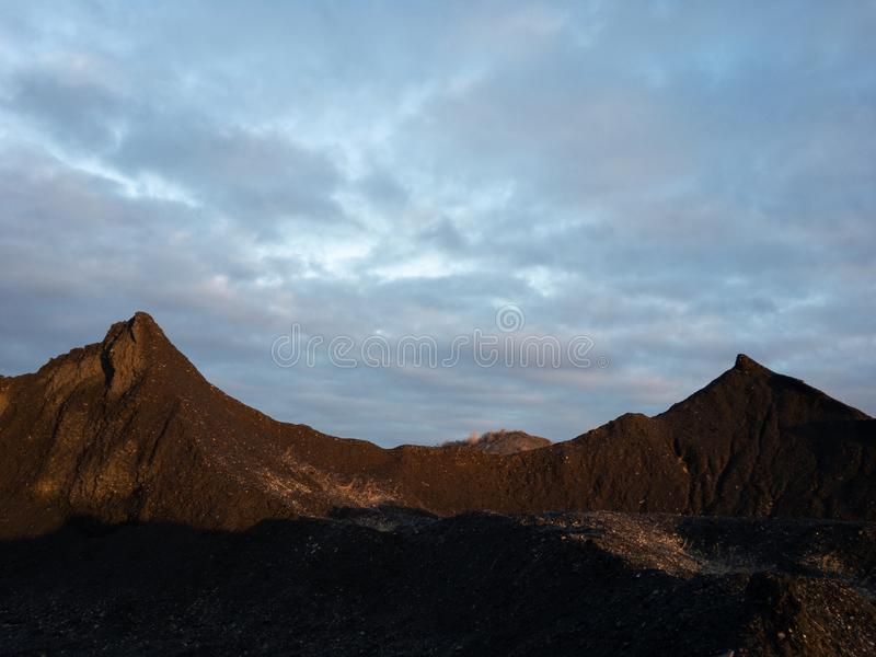 Заход солнца над 2-horned горой стоковые фото