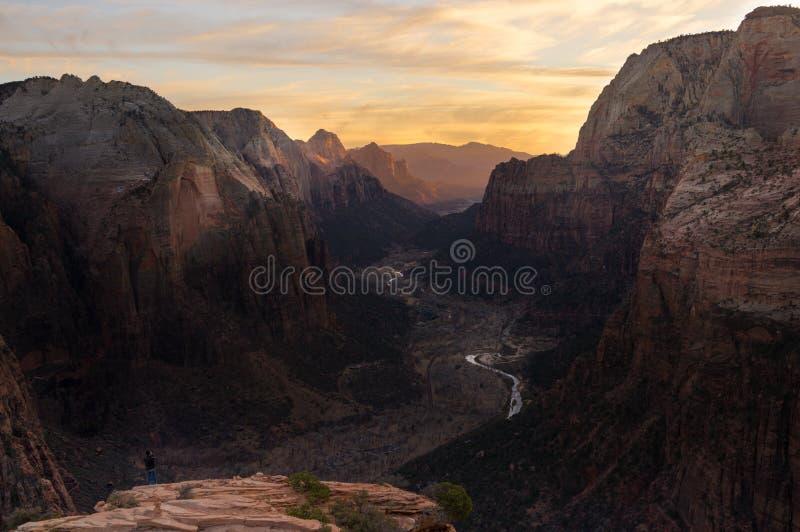 Заход солнца национального парка PhotographerZion стоковое изображение rf