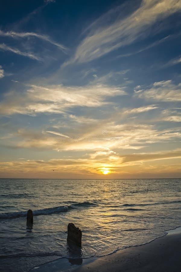 Заход солнца на ключе Siesta стоковые изображения rf
