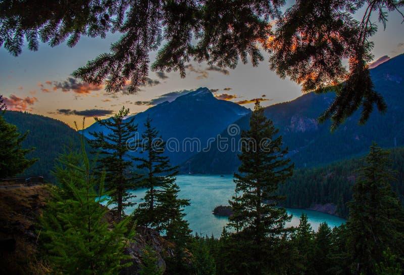 Заход солнца на национальном парке ледника стоковые фото