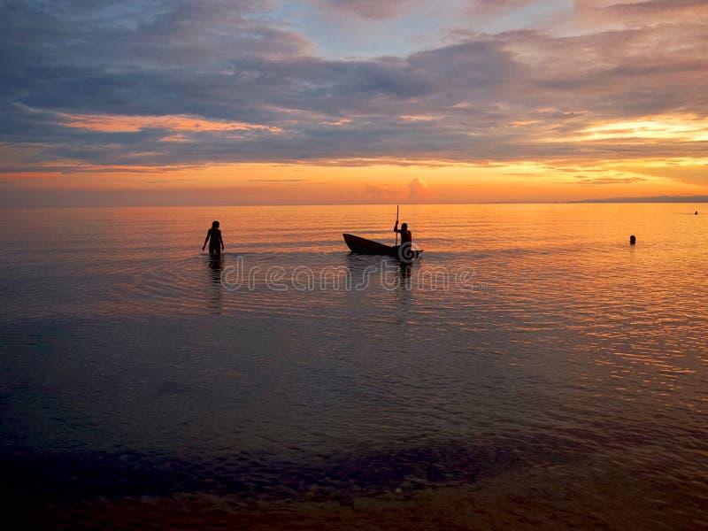 Заход солнца на озере Малави стоковое изображение