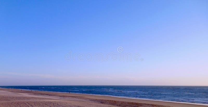 Заход солнца на пляже залива diz ¡ CÃ, Андалусии Испания стоковые изображения rf