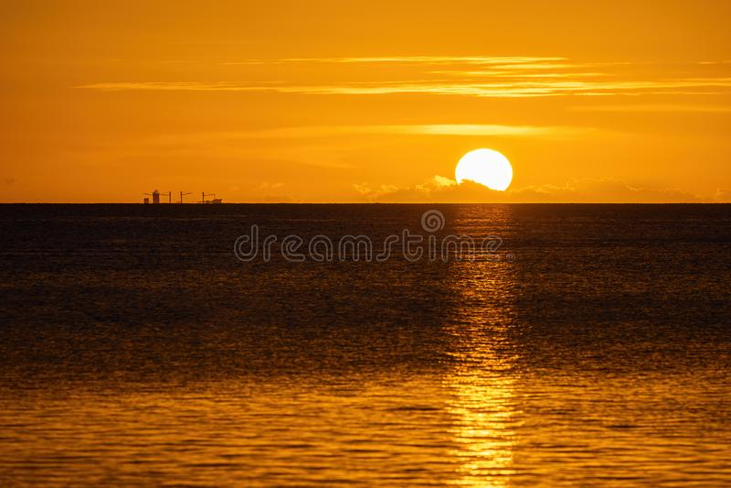 Заход солнца на пляже на острове Маврикия стоковые изображения