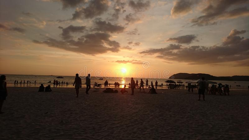Заход солнца на пляже стоковая фотография rf