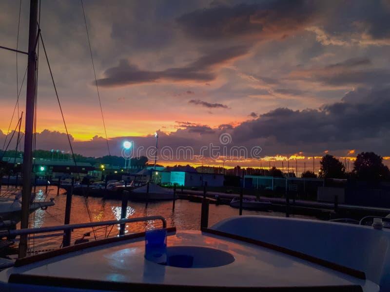 заход солнца на пристани в Венеции стоковая фотография