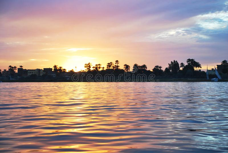 Заход солнца на реке, Ниле, Египте стоковые фото