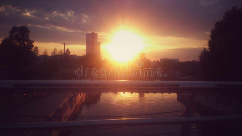 Заход солнца на улице стоковая фотография