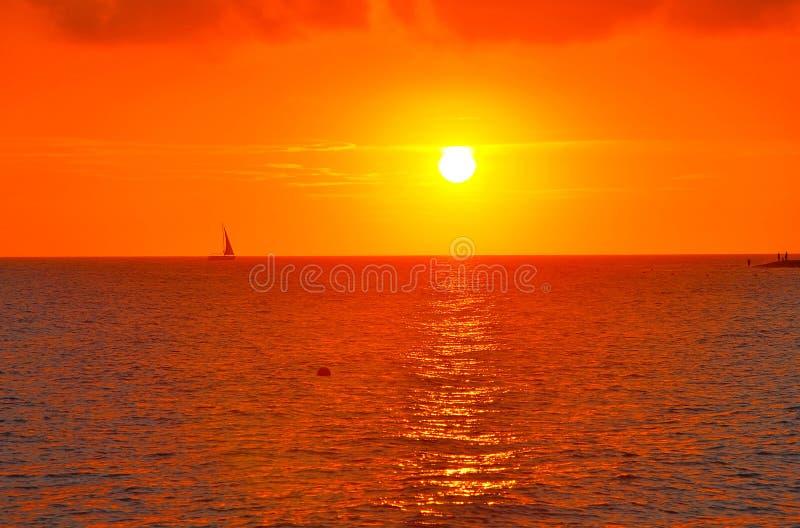 Заход солнца на Чёрном море в Сочи E стоковая фотография rf