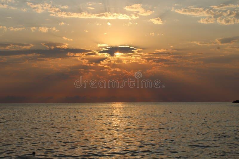 Заход солнца одно из самых завораживающих явлений природы стоковое изображение rf