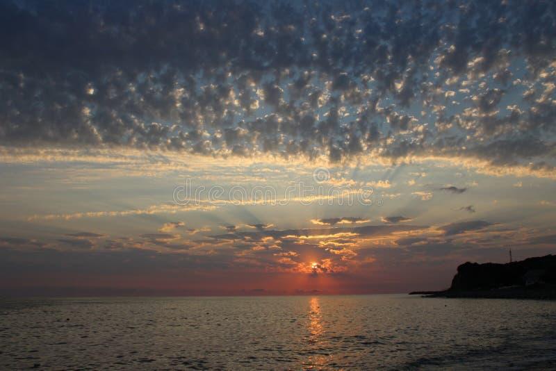 Заход солнца одно из самых завораживающих явлений природы стоковая фотография rf