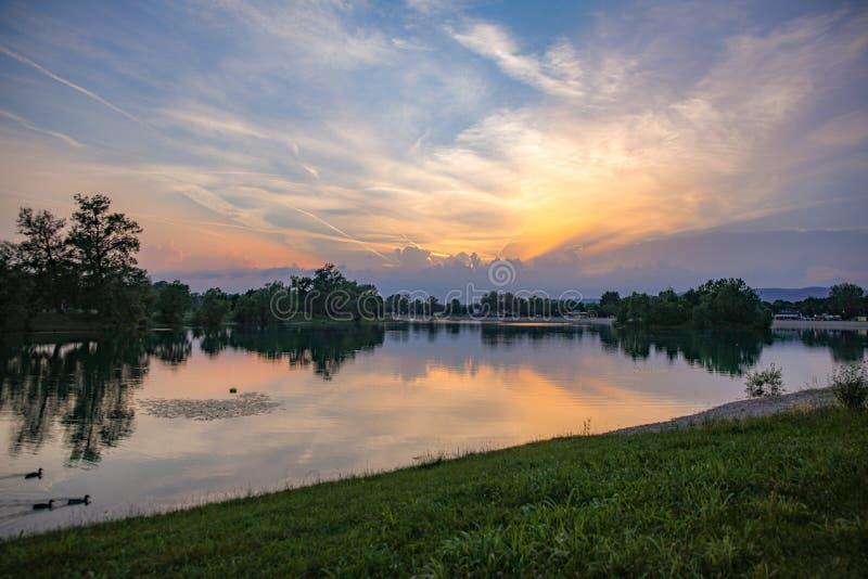 Заход солнца озера Jarun стоковые фото