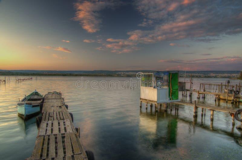 Заход солнца около деревни Zvezditsa, Чёрного моря, Болгарии стоковые фотографии rf