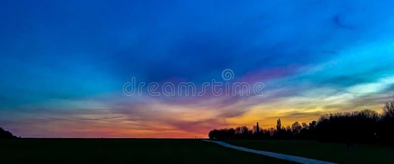 Заход солнца осени на Medway в Кенте стоковое фото