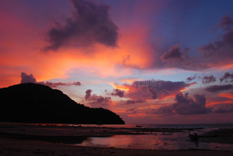 заход солнца острова последний стоковое фото rf