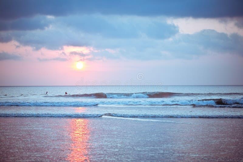 Заход солнца пляжа Бали Kuta стоковое фото rf