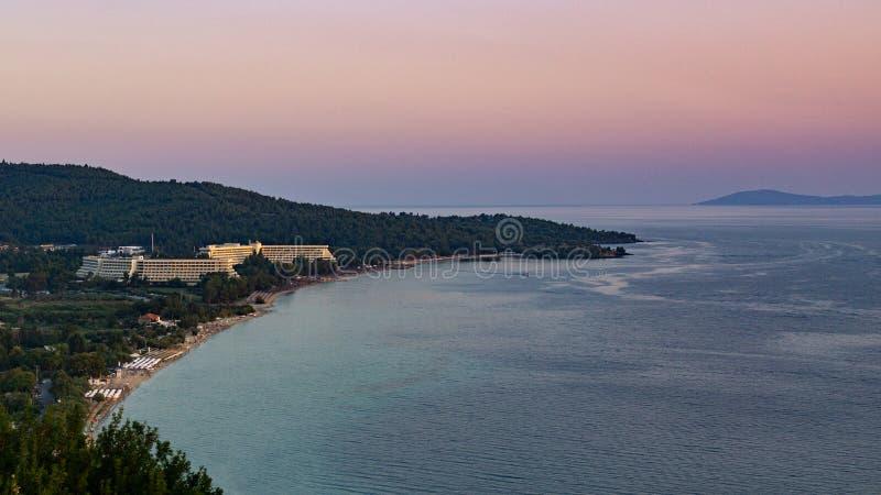 Заход солнца пляжа Neos Marmaras стоковые фото