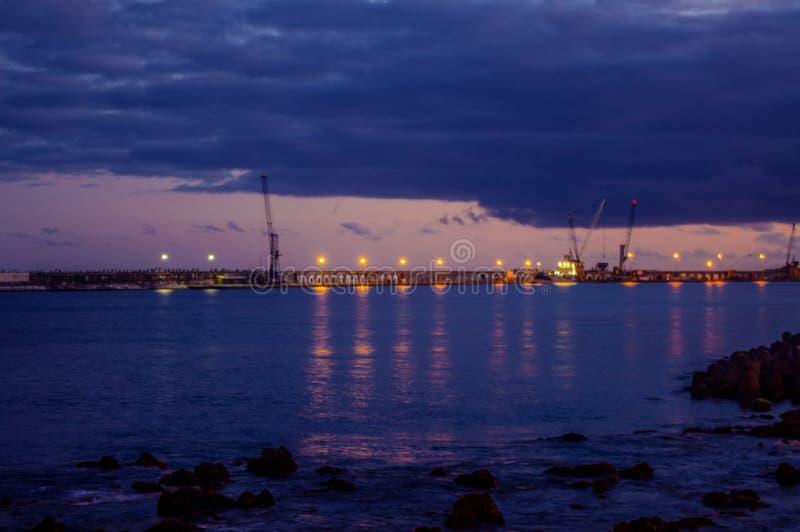 Заход солнца порта стоковое фото rf