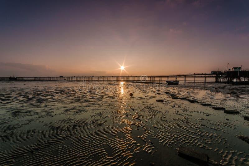 Заход солнца пристани Southend стоковые изображения rf
