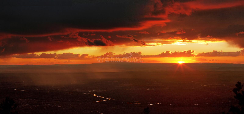 заход солнца пустыни стоковые фотографии rf