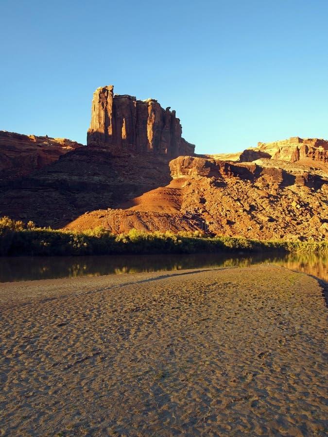 заход солнца реки пустыни стоковые изображения rf