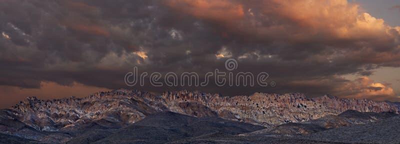 заход солнца ряда горы gabbs панорамный стоковое фото rf