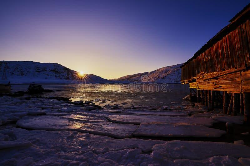 Заход солнца Северного океана стоковые фото