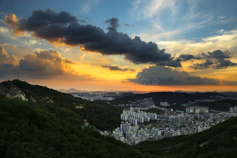 Заход солнца Сеула стоковое изображение rf