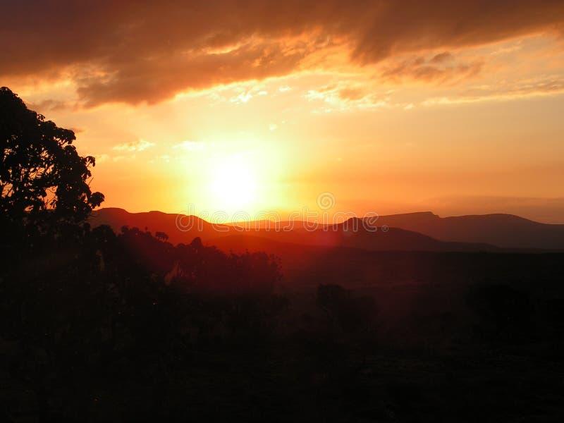 Заход солнца силуэта горы стоковое фото rf