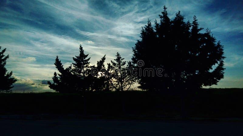 Заход солнца совсем темный стоковое фото